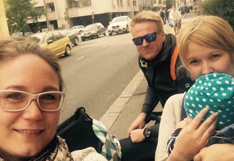 Käsikädessä kulkee äitiys, yrittäjyys ja johtajuus – huono omatunto matkustaa olkapäillä