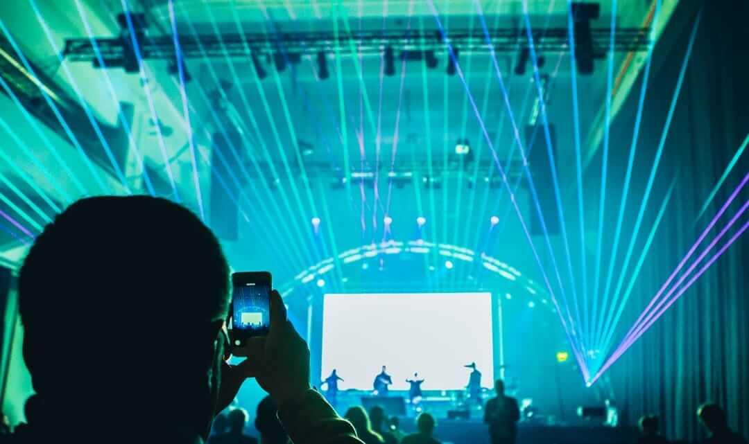 Kahdeksan kovaa ennustusta: Teknologia ja media vuonna 2018
